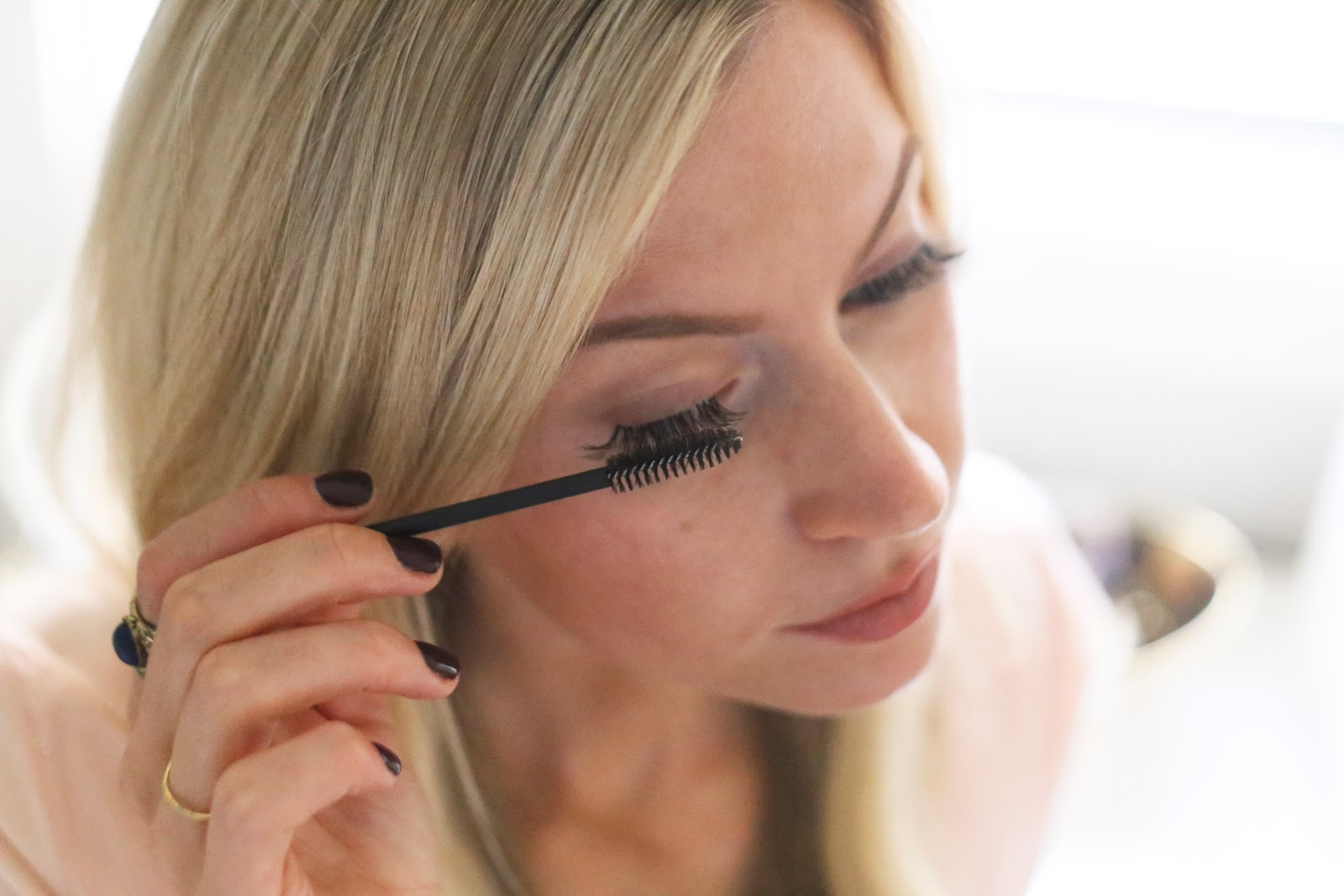 blending How to Wear Fake Eyelashes for Beginners-Step by Step Tutorial