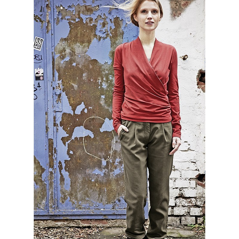 chinos-women-organic-cotton-and-hemp How to Wear Chinos? 20 Best outfits to Wear with Chinos