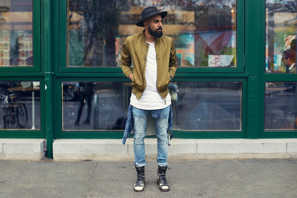 lightweight-1 How to Wear Bomber Jacket Men-18 Outfits with Bomber Jackets
